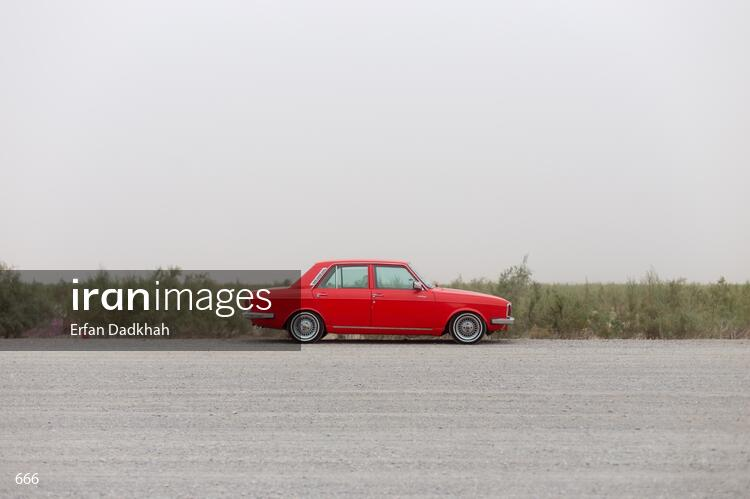 Red Paykan