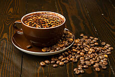 Café con leche with Coffee beans